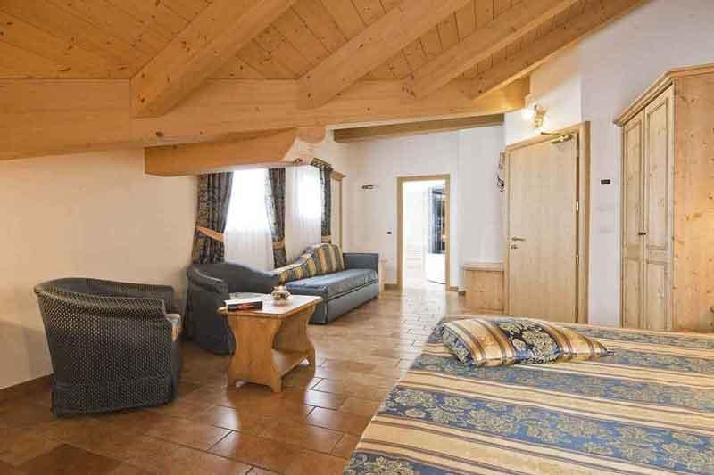 Albergo san rocco hotel a pejo in val di sole nel for Affitti cabina sole valle